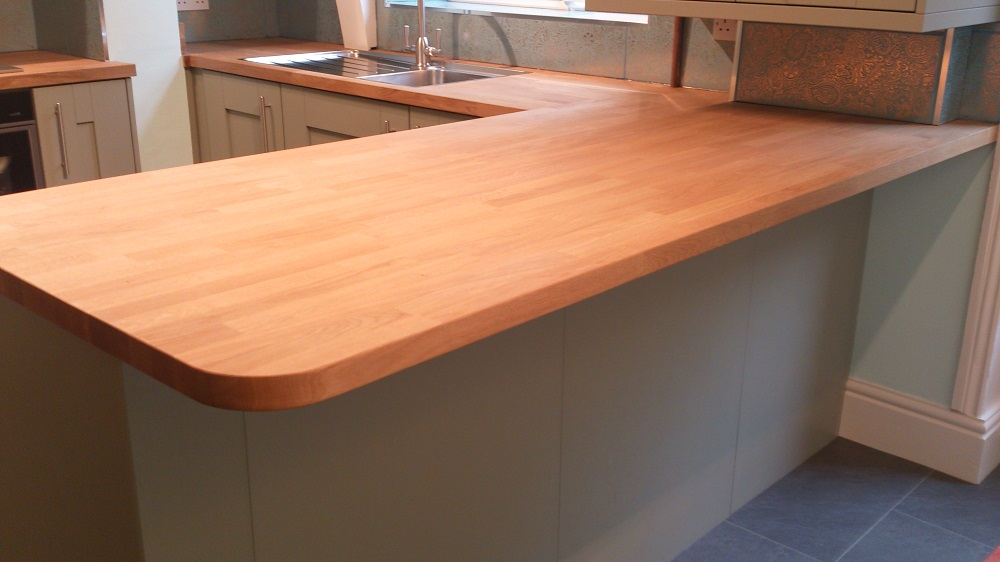 Kitchen With Oak Breakfast Bar In New Mills, Derbyshire