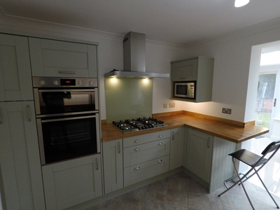 New fitted kitchen by Kinder Kitchens